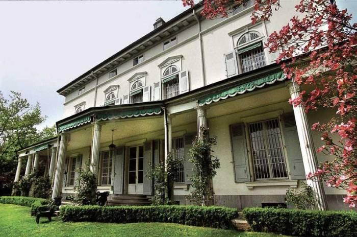 Antiga residência de Charles Chaplin, em Vevey - Suíça.