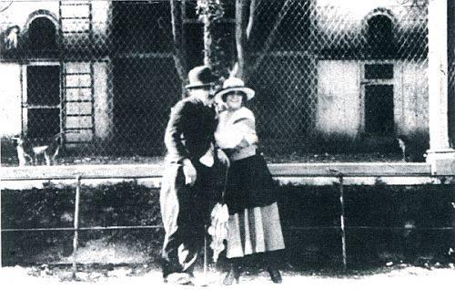 Uma conquista de Cardo as Charlot no Jardim Zoológico de Lisboa, 1916