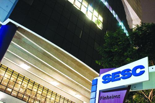 O Sesc Pinheiros localiza-se na Rua Paes Leme, 195, Pinheiros - São Paulo