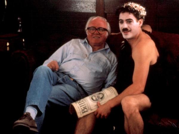 "Ao lado de Robert Downey Jr., em ""Chaplin"" (1992)"