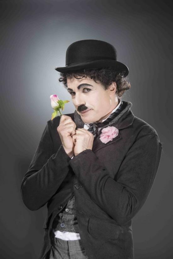 Jarbas Homem de Melo é Charles Chaplin, em musical da Broadway que chega ao Brasil